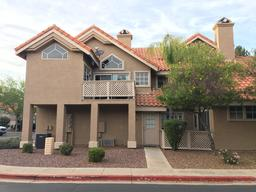 1633 E Lakeside Drive, Unit 51 Gilbert